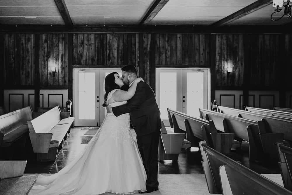 SNOWY OHIO BARN WEDDING | JOSH + HANNAH 20