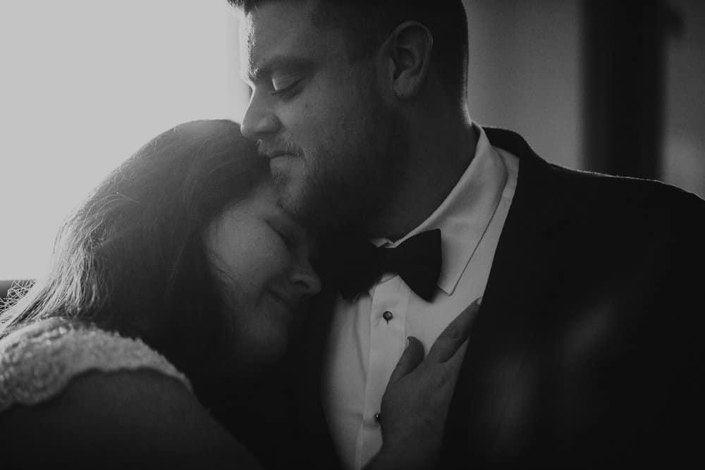 SNOWY OHIO BARN WEDDING | JOSH + HANNAH 24