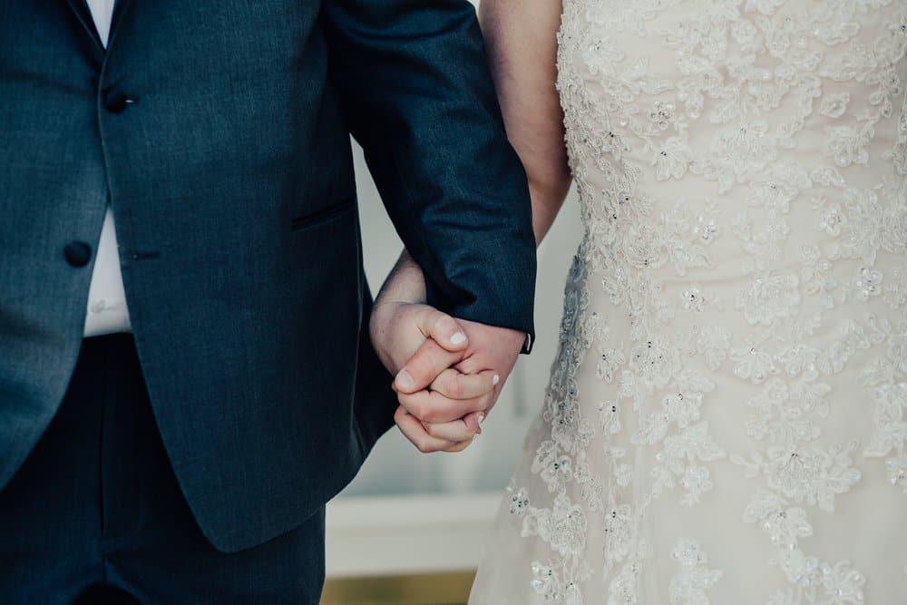 SNOWY OHIO BARN WEDDING | JOSH + HANNAH 33