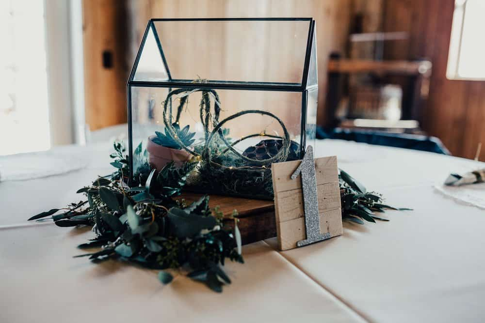 SNOWY OHIO BARN WEDDING | JOSH + HANNAH 7