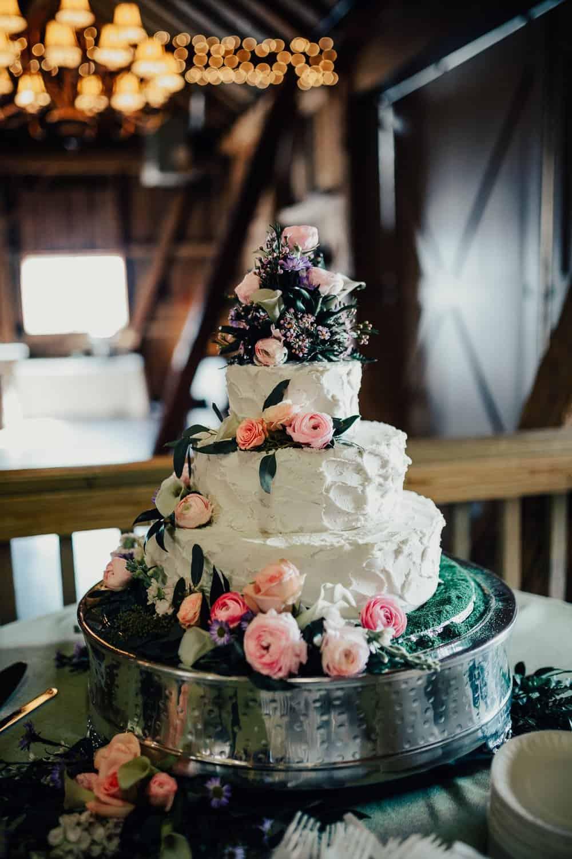 SNOWY OHIO BARN WEDDING | JOSH + HANNAH 5