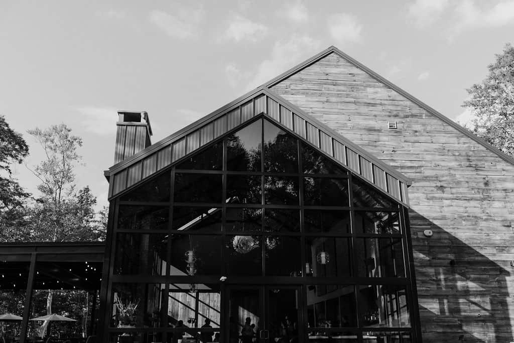 Sapphire Creek Winery building