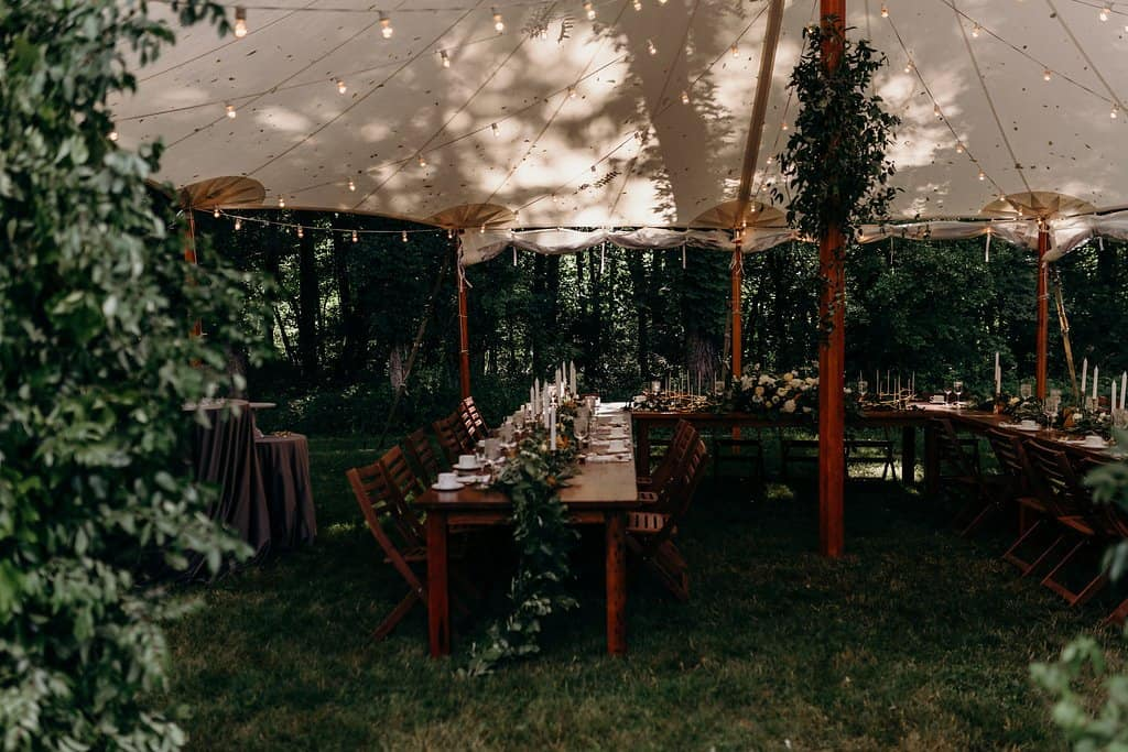 table setting in backyard wedding