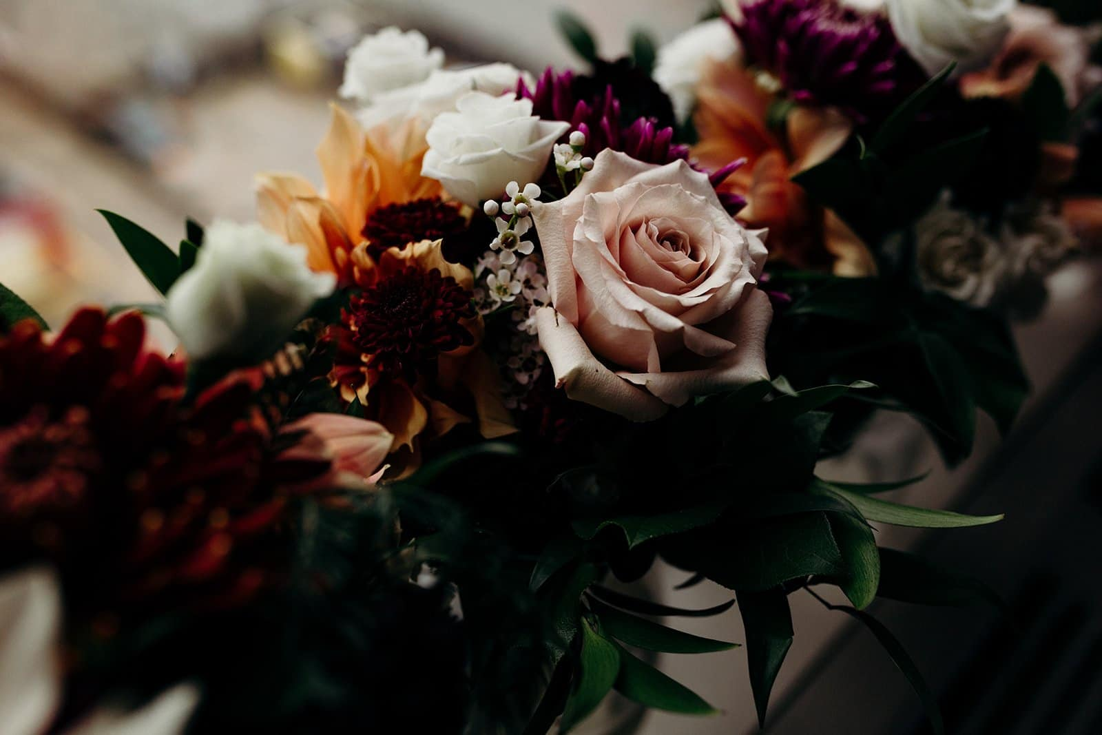 detailed photograph of wedding flowers