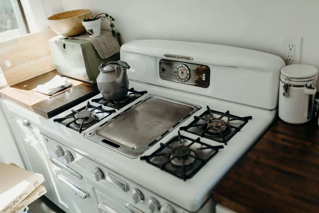 kitchen in Joshua Tree airbnb