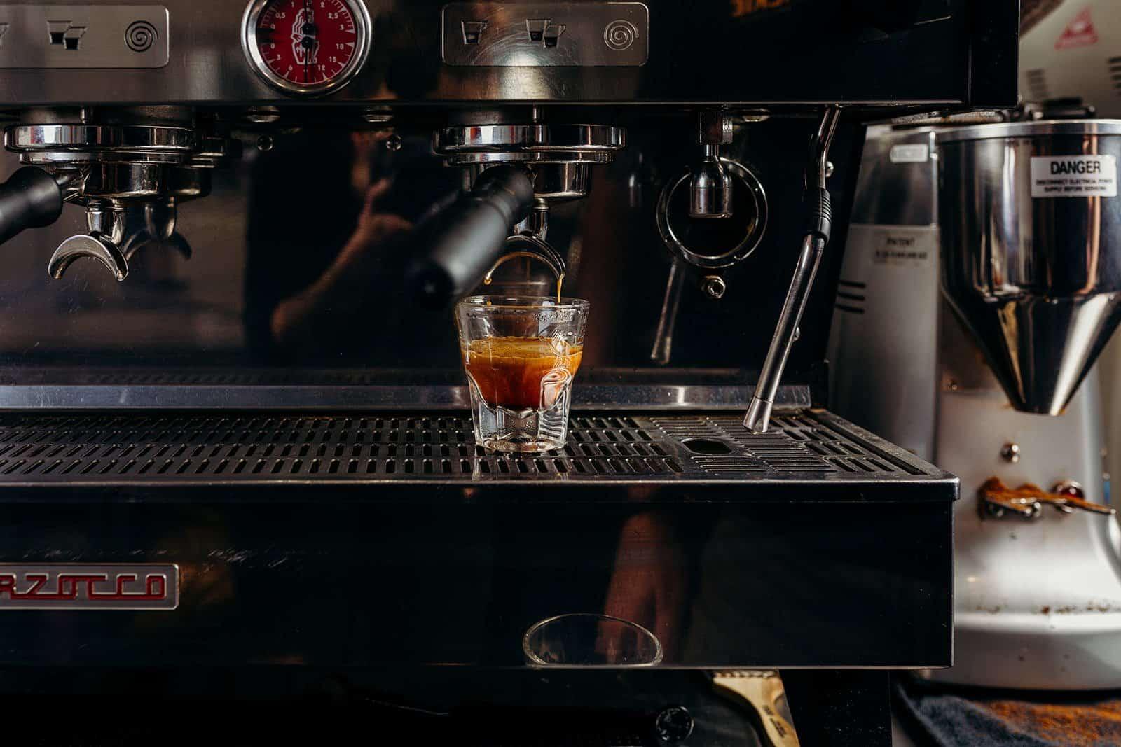 Coffee Shop Photography - Walkie Talkie Coffee 187