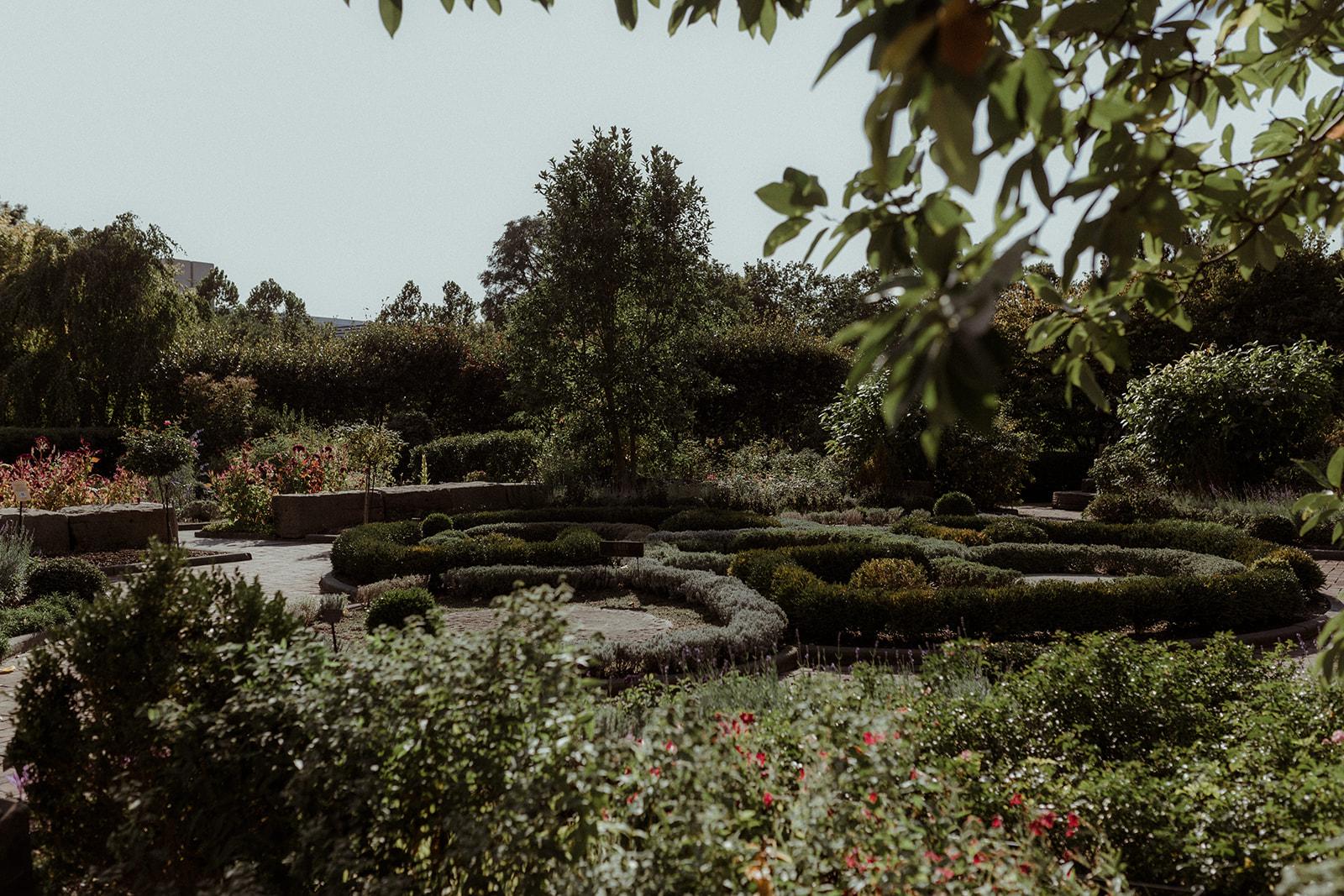 cleveland botanical garden wedding - chris + katie 136