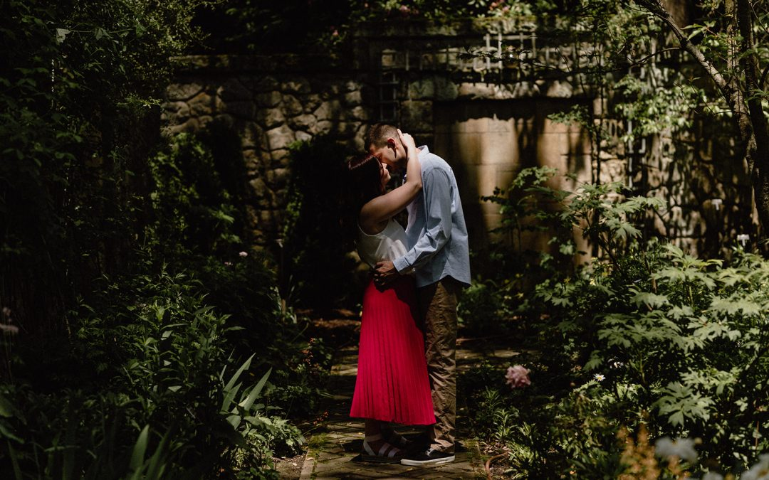 stan hywet engagement session – lana + zach